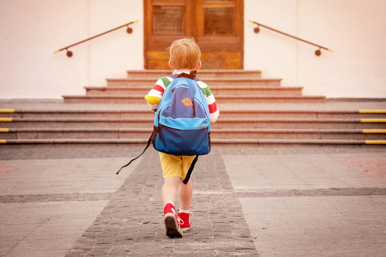 AMA-Post-Featured-Img-A-Toddlers-First-Steps-into-School-Starts-at-Home-Montessori-Principles-Transition-Strategies-for-Parents-1280x852.jpg